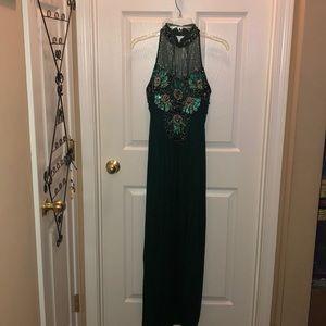 Dresses & Skirts - Beautiful evening gown - deep green